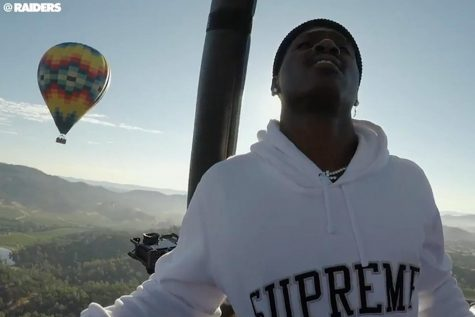 Antonio Brown flies into Raiders training camp in Napa Valley on a hot air balloon