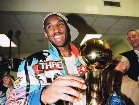 Kobe Bryant celebrates with the Larry O